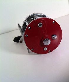 Vintage penn peer no 109 fishing reel fishing vintage for Penn deep sea fishing reels