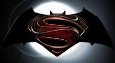 Выход фильма «Бэтмен против Супермена» перенесли на год