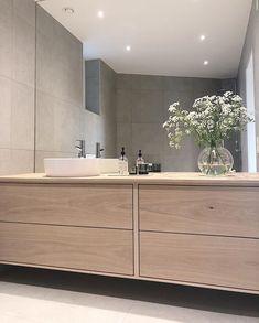 Bathroom Interior Design, Interior Decorating, Bathroom Designs, Modern Master Bathroom, Beautiful Bathrooms, Double Vanity, Future House, Interior And Exterior, Instagram