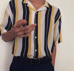 Fashion inspiration board mens New Ideas Vintage Outfits, Retro Outfits, Grunge Outfits, Casual Outfits, Guy Outfits, Urban Style Outfits, Fashion Vintage, Casual Shirts, Aesthetic Fashion