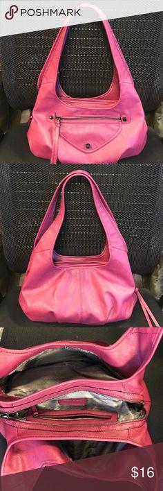 Vera Wang hobo handbag Beautiful handbag by Vera Wang in a Burgundy color. The bag has 3 compartments, one with a zipper. Vera Wang Bags Hobos