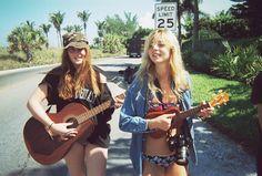 the girl on the left looks like @Skylar Zicklin !