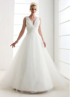 A line wedding dresses with lace on pinterest inverted for Wedding dresses for large hips