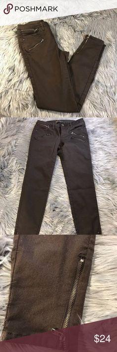 Zara Basic Zip Pocket Moto Ankle Skinny Jeans Zara Basic Z1975 Denim Brown Zip Pocket Moto Ankle Skinny Jeans, Zip Ankles  Waist laying flat, approx 13' Inseam 27' Zara Jeans Skinny