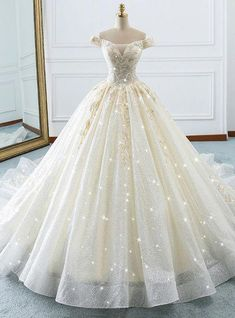 Champagne Ball Gown Off The Shoulder Tulle Sequins Wedding D.- Champagne Ball Gown Off The Shoulder Tulle Sequins Wedding Dress Champagne Ball Gown Off The Shoulder Tulle Sequins Wedding Dress - Cute Prom Dresses, Ball Dresses, Pretty Dresses, Bridal Dresses, Ball Gowns, 15 Dresses Pink, Lace Evening Dresses, Dresses Uk, Elegant Dresses
