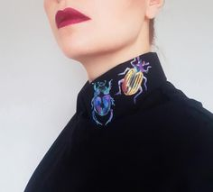 Discover recipes, home ideas, style inspiration and other ideas to try. Look Fashion, Diy Fashion, Fashion Outfits, Fashion Design, Diy Clothing, Custom Clothes, Designer Clothing, Neck Accessories, Painted Clothes