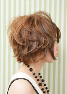 Great colour, short curly bob - Click image to find more Hair & Beauty Pinterest pins