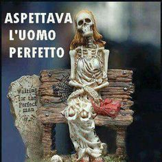 for halloween memes Italian Humor, Waiting, Arte Horror, Michael Myers, Funny Pins, Perfect Man, Horror Stories, Cringe, Popular Memes