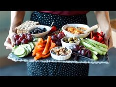 watch the videothe article Making healthy food choices is much easier if you t. - Healthy food world Healthy Food Choices, Healthy Snacks, Healthy Eating, Breakfast Healthy, Healthy Habits, Healthy Tips, Clean Eating, Snacks Sains, Check Up