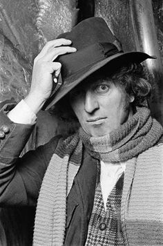 Fourth Doctor (Tom Baker) 4th Doctor, Good Doctor, Film Doctors, Original Doctor Who, Doctor Who Companions, Classic Doctor Who, William Hartnell, Female Doctor, Classic Series