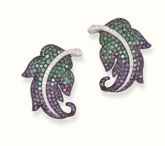 Emerald, Amethyst and Diamond Earclips, Carnet Weird Jewelry, Jewelry Art, Jewelry Design, Feather Jewelry, Purple Leather, Fantasy Jewelry, Schmuck Design, Colored Diamonds, Diamond Cuts