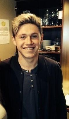 Niall Horan you are so adorable!! I just can't handle this picture, it's just too much