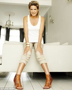 Picture of Penny Smith Penny Smith, Ballet Shoes, Dance Shoes, Tv Presenters, Sexy Older Women, Celebs, Celebrities, White Jeans, Beautiful Women