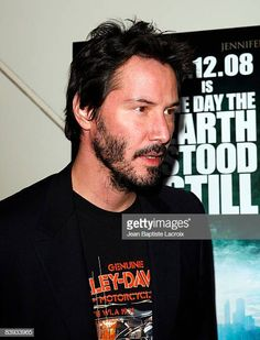 """Actor Keanu Reeves attends the Screening and Panel Discussion of """"The Day The Earth Stood Still"""" at CalTech on December 2008 in Pasadena, California. Get premium, high resolution news photos at Getty Images Keanu Reeves Life, Pasadena California, E Day, Actors, December, Earth, Fictional Characters, Fantasy Characters, Mother Goddess"""