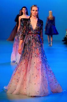Elie Saab Spring 2014 Haute-Couture. via @AOL_Lifestyle Read more: https://www.aol.com/view/elie-saab-couture-is-the-prettiest-thing-youll-look-at-all-day/?a_dgi=aolshare_pinterest#fullscreen