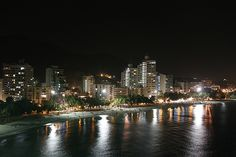 Puerto madero by Juan-kD-Lomas. Santa Marta, City Architecture, Maid, New York Skyline, Skyscraper, Nyc, Magdalena, River, City Buildings