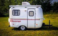 Looking for a Small Camper Trailer with a Bathroom? Well, our List of 8 Small Camper Trailers with Bathrooms includes some of the best campers in all. Scamp Camper, Scamp Trailer, Small Camper Trailers, Small Travel Trailers, Travel Trailer Camping, Small Campers, Mini Camper, Vintage Travel Trailers, Travel Camper