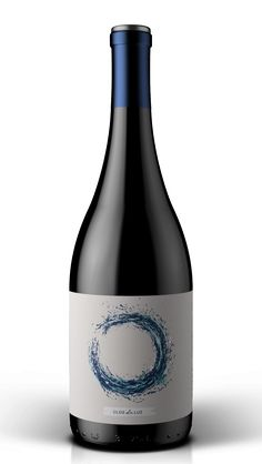 The use of hand generated, ink strokes works well for this wine ...