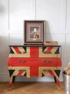 Thinking about repainting my desk... Maybe chevron. I like how they painted the pattern over the drawers.