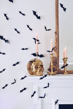 8 bucks bats 🦇 for the win! Halloween decor done 👏🏻 do you go all out for Halloween 👻 or are you keeping it simple? Most of my halloween decor is outside this year. But these little bats were a cute and simple way to add some spookiness Cute Kids Halloween Costumes, Table Halloween, Halloween Mantel, Chic Halloween, Halloween Home Decor, Outdoor Halloween, Diy Halloween Decorations, Halloween House, Halloween Party