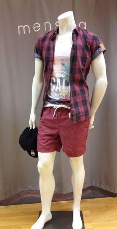 Outfit der Woche! Hemd, Tanktop & Shorts: Tom Tailor Denim - Cap: Jack & Jones #fashion www.mensing.com