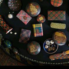 Tole tray and tartan boxes anyone?  #connecticutcountryhouse #tartan #madforplaid #trays #decor #collector