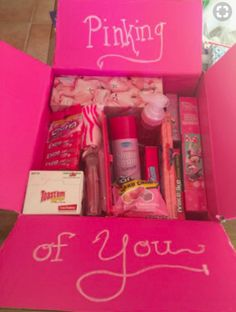 Pinking of you care package. Female soldier on deployment. Over seas Pinking of you care package. Female soldier on deployment. Over seas Cute Birthday Gift, Bff Birthday, Birthday Present Ideas For Sister, Gift For Sister, Diy Birthday Gifts For Friends, Cheap Birthday Gifts, Little Sister Gifts, Sister Crafts, Birthday Gift Baskets