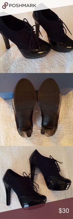 Black Patent Leather & Suade Oxford Heels Black Patent Leather & Suade Oxford Heels Never Worn Lauren Conrad Shoes Platforms