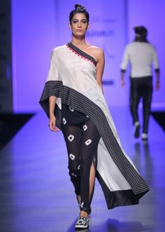 African Fashion, Indian Fashion, Womens Fashion, Kurta Designs, Blouse Designs, Indian Dresses, Indian Outfits, Lakme Fashion Week, Indian Designer Outfits
