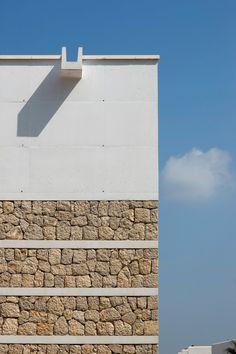 Pesquera Ulargui Arquitectos, Duccio Malagamba · Conference center in Ibiza Roof Cladding, Timber Cladding, Stone Cladding, Roof Design, Facade Design, House Design, Facade Architecture, Contemporary Architecture, Stone Facade