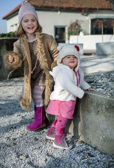 Superfit shoes fall/winter 2014/15   Seen on the photo: Groovy 30031006 (toddlers´shoe) and Emma 30039160 - made with GORE-TEX ® material (waterproof and breathable)  #superfit #shoes #goretex #fall #waterproof