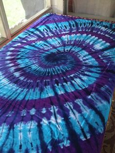 Hippie Tapestry Fabric Tie Dye Swirl Blue By Tie Dye Tapestry, Tapestry Fabric, Fabric Art, Fabric Crafts, Tie Dye Bedding, Diy Tie Dye Shirts, Tie Dye Crafts, Ikea, Tie Dye Techniques