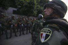 El Ejército dice a Mursi que ya no es presidente, según un diario estatal - Yahoo! Noticias España