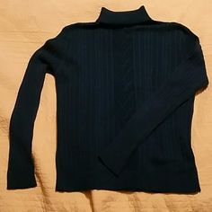 Dressbarn Dark Blue long sleeve sweater L Dark Blue Acrylic/cotton blend long sleeve sweater. Pairs great with a wool skirt, jeans, or slacks. I'm good used condition, no snags, tears or stains. L Dress Barn Sweaters Cowl & Turtlenecks