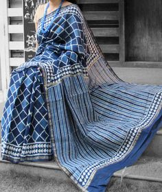 Elegant Chanderi Saree with Block Printing Silk Saree Kanchipuram, Ikkat Saree, Soft Silk Sarees, Cotton Saree, Beautiful Saree, Beautiful Outfits, Indigo Saree, Wedding Silk Saree, Saree Models