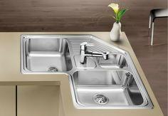 Moduler Kitchen, Kitchen Sink Decor, Corner Sink Kitchen, Kitchen Sink Design, Diy Kitchen Storage, Home Decor Furniture, Kitchen Furniture, Kitchen Interior, Outdoor Bbq Kitchen