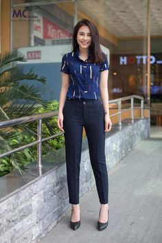 Dress Outfits, Casual Outfits, Fashion Outfits, Corporate Attire, Kurta Designs, Outfit Combinations, Western Outfits, Work Wardrobe, Photography Women