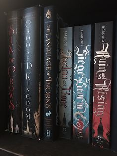 """kelizmormont: """"Rearranged my shelves so all the Bardugo kids are together ❤️ """" Film Books, Ya Books, Good Books, Books To Read, Book Suggestions, Book Recommendations, Best Books For Teens, The Grisha Trilogy, Six Of Crows"""