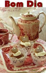 """•°""""˜˜""""°•°• BOM DIA COM ALEGRIA!!! •°°""""˜˜""""°• Bom dia feliz sábado!!! Desejo um lindo dia para todos, e que desde já a estrela principal do Natal, Jesus Cristo, seja uma luz a brilhar sempre na vida daqueles que o buscam. ___Café da manhã"""