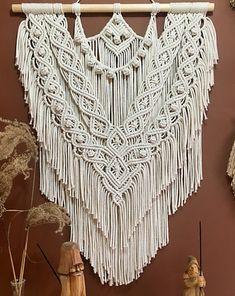 Macrame Art, Macrame Jewelry, Diy Interior, Macrame Wall Hanger, Deco Boheme, Macrame Patterns, Boho Diy, Knots, Handmade