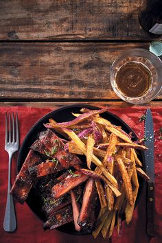 Could there be anything more irresistible than smoky, sticky, slightly sweet whisky and maple sticky pork ribs with sweet potato fries? Of course not. Sticky Pork Ribs, Rack Of Pork, Lamb Ribs, Paprika Pork, Fries Recipe, Rib Roast, Fried Potatoes, Whisky, Ham
