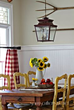 Savvy Southern Style: Simple Changes....first fall vignette