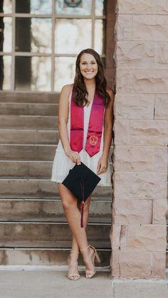 College Graduation Pictures, Graduation Picture Poses, Graduation Photoshoot, Grad Pics, Dance Senior Pictures, Girl Senior Pictures, Senior Pic Poses, Senior Portraits, Senior Photography Poses