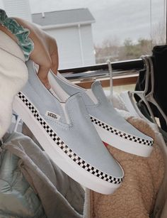 94 Ideas For Vans Sneakers Shoes Summer Sock Shoes, Women's Shoes, Best Vans Shoes, Vans Shoes Outfit, Cool Nike Shoes, Cute Vans, Aesthetic Shoes, Aesthetic Grunge, Summer Aesthetic