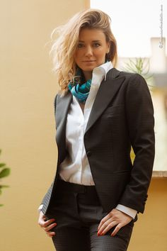 Classic Work Outfits, Classy Outfits, Sexy Outfits, White Shirt Outfits, White Shirts, Business Dresses, Business Outfits, Suits For Women, Clothes For Women