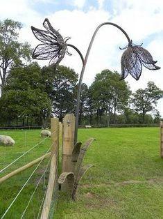 I was introduced to Kew's plans last year to create a UK native seed hub at . Garden art I was introduced to Kew's plans last year to create a UK native seed hub at . Chicken Wire Art, Chicken Wire Sculpture, Chicken Wire Crafts, Wire Art Sculpture, Garden Sculptures, Animal Sculptures, Bouquet Champetre, Metal Garden Art, Metal Art