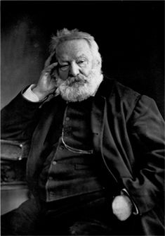 Victor Hugo est un poète, dramaturge, prosateur et dessinateur romantique français, né le 26 février 1802 à Besançon et mort le 22 mai 1885 à Paris. Il est considéré comme l'un des plus importants écrivains de langue française.