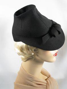 SOLD Vintage Black Felt 1940s Tilt Fedora Hat Sz 22