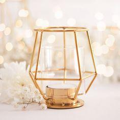Nowość! Designerski lampionik na tealight to absolutny hit w dekoracjach stołów na wesele! #kolekcjaslubna #slub #wesele #dekoracjeweselne #dekoracjeslubne New Room, Tea Lights, Candle Holders, Candles, Metal, Modern, Wedding, Manicure, Bar