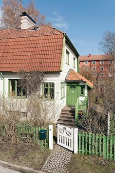 Enskede, The colours Small Cottages, Uppsala, Swedish House, Sims House, Architecture, Old Houses, My Dream Home, Exterior Design, Future House